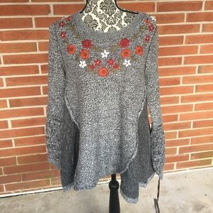 Knox Rose Grey Embroidered Floral Sweater M